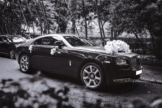 Hà Nội: Rolls-Royce Wraith hoá thân thành xe dâu - Ảnh 1.