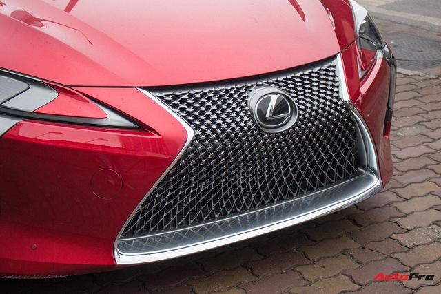 Diện kiến Lexus LC500 2018 đầu tiên tại Việt Nam - Ảnh 4.
