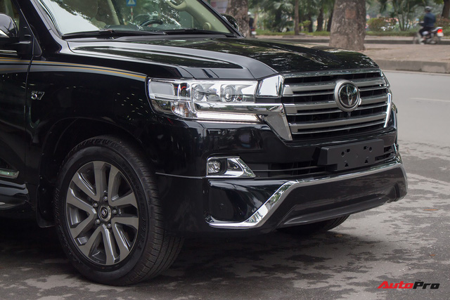 Hàng hiếm Toyota Land Cruiser từ Trung Đông giá gần 6 tỷ đồng tại Hà Nội - Ảnh 3.