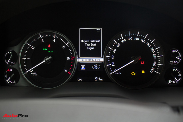 Hàng hiếm Toyota Land Cruiser từ Trung Đông giá gần 6 tỷ đồng tại Hà Nội - Ảnh 14.