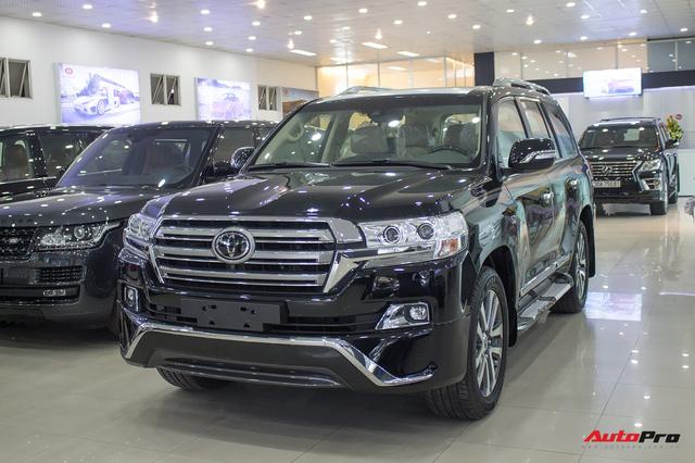 Hàng hiếm Toyota Land Cruiser từ Trung Đông giá gần 6 tỷ đồng tại Hà Nội - Ảnh 1.