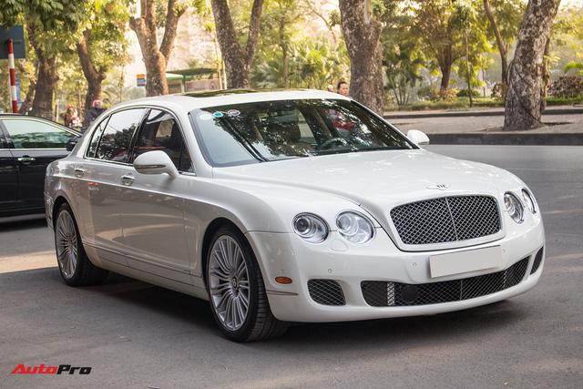 Xe siêu sang Bentley hạ nửa giá sau 7 năm - Ảnh 1.