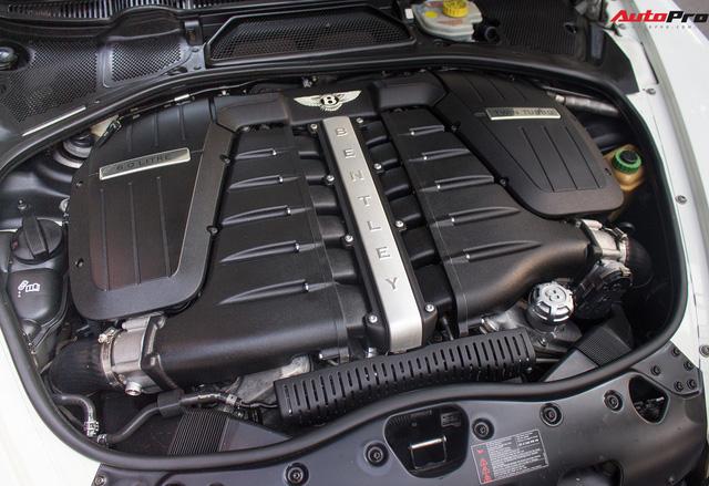 Xe siêu sang Bentley hạ nửa giá sau 7 năm - Ảnh 12.