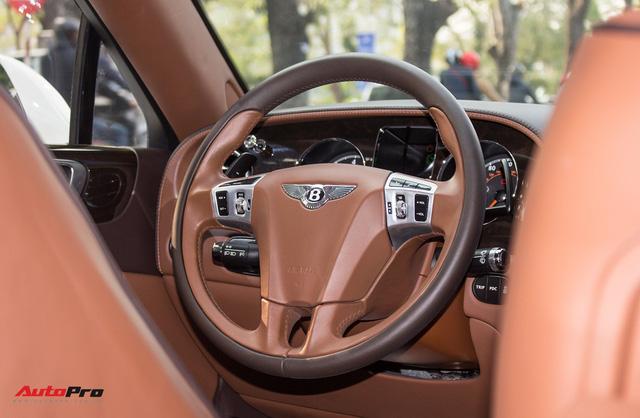 Xe siêu sang Bentley hạ nửa giá sau 7 năm - Ảnh 10.