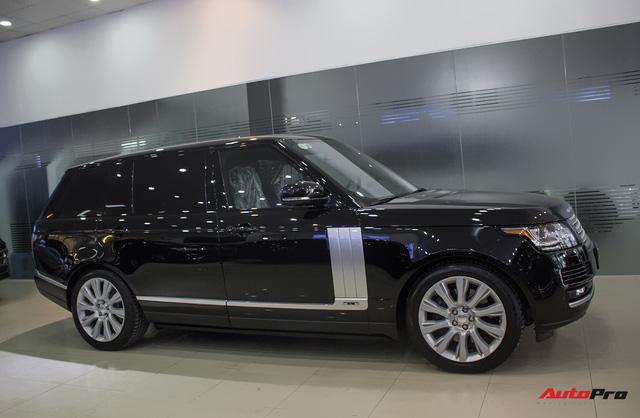 Rẻ gần một nửa xe mới, Range Rover Autobiography LWB lăn bánh 12.000 km bán lại giá chỉ 6,2 tỷ đồng - Ảnh 4.