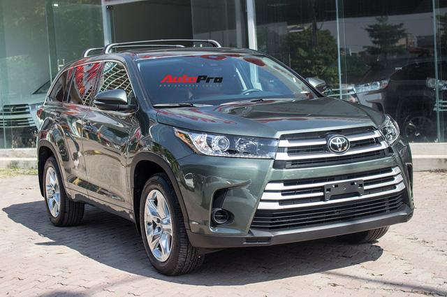 Toyota Highlander LE 2017 màu độc, lên đồ bản Limited giá 3 tỷ tại Việt Nam - Ảnh 1.