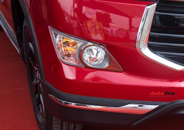 Cận cảnh Toyota Innova Venturer 2017 giá 855 triệu đồng tại Việt Nam - Ảnh 4.