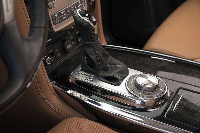 Infiniti QX80 2018 chốt giá từ 64.750 USD, cạnh tranh Lexus LX570 - Ảnh 9.