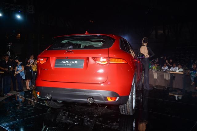Đối thủ Porsche Macan, Jaguar F-Pace, chính thức ra mắt tại Việt Nam - Ảnh 15.