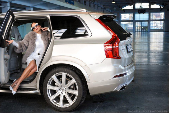Người đẹp Ba Lan khoe dáng cùng xe sang Thuỵ Điển - Ảnh 5.