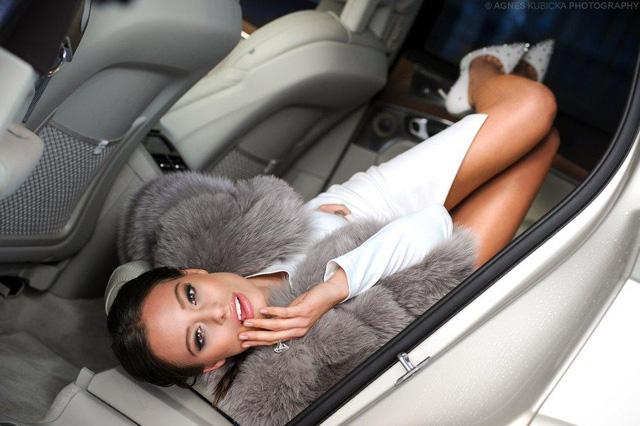 Người đẹp Ba Lan khoe dáng cùng xe sang Thuỵ Điển - Ảnh 10.