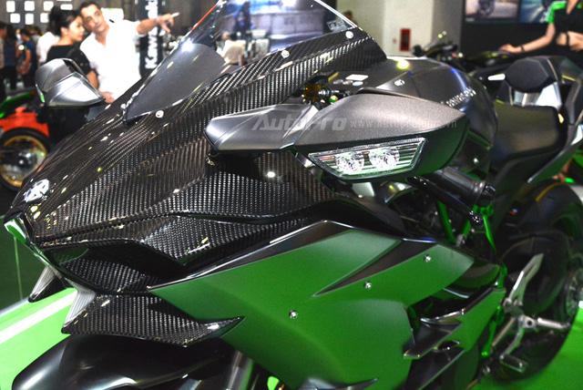 Chi tiết siêu mô tô hàng hiếm Kawasaki Ninja H2 Carbon tại triển lãm VMCS 2017 - Ảnh 8.
