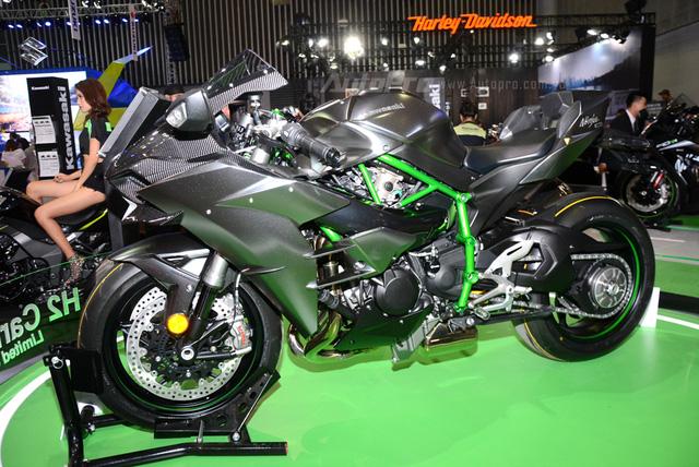 Chi tiết siêu mô tô hàng hiếm Kawasaki Ninja H2 Carbon tại triển lãm VMCS 2017 - Ảnh 3.