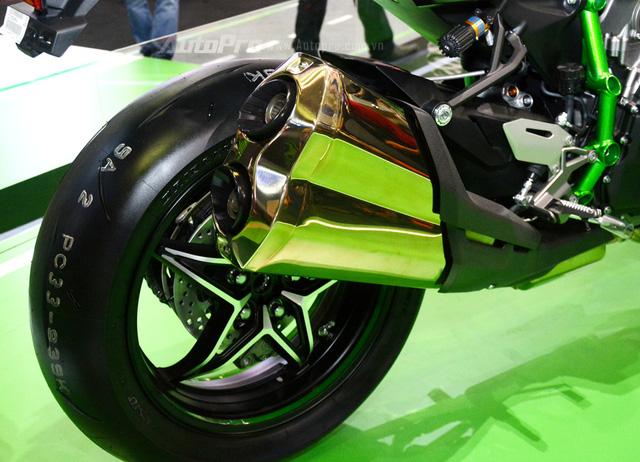 Chi tiết siêu mô tô hàng hiếm Kawasaki Ninja H2 Carbon tại triển lãm VMCS 2017 - Ảnh 14.