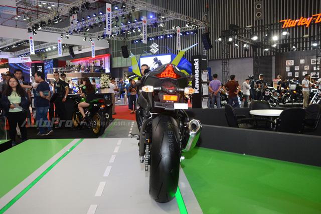 Chiêm ngưỡng vẻ đẹp sexy của siêu mô tô bản giới hạn Kawasaki Ninja ZX-10RR 2017 - Ảnh 5.