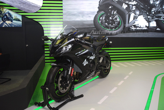 Chiêm ngưỡng vẻ đẹp sexy của siêu mô tô bản giới hạn Kawasaki Ninja ZX-10RR 2017 - Ảnh 14.