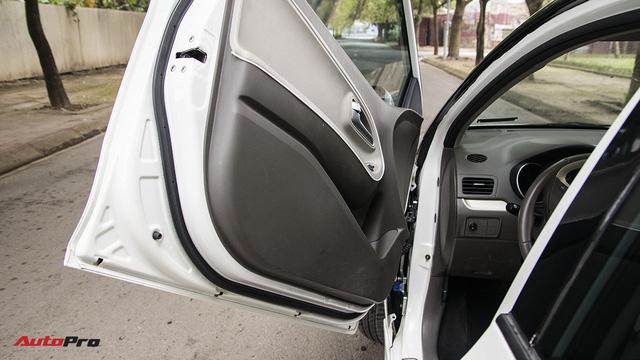 Trải nghiệm Kia Morning độ cửa Lamborghini, trần Rolls-Royce tại Hà Nội - Ảnh 8.