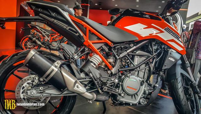 Cặp đôi naked bike cho người mới chơi KTM Duke 250 và Duke 390 2017 ra mắt Đông Nam Á - Ảnh 6.