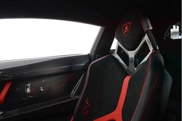 Vẻ đẹp siêu xe hàng hiếm Lamborghini Aventador SV đỏ rực rao bán 12,7 tỷ Đồng - Ảnh 11.