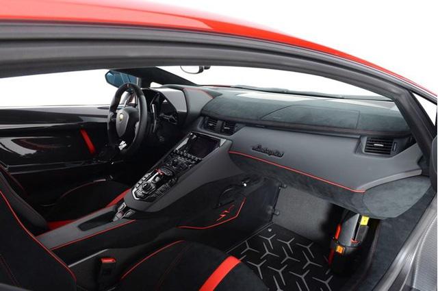 Vẻ đẹp siêu xe hàng hiếm Lamborghini Aventador SV đỏ rực rao bán 12,7 tỷ Đồng - Ảnh 13.