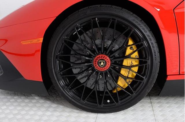 Vẻ đẹp siêu xe hàng hiếm Lamborghini Aventador SV đỏ rực rao bán 12,7 tỷ Đồng - Ảnh 8.