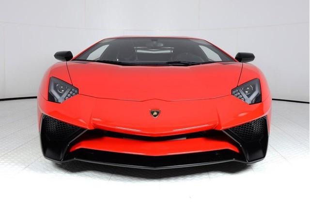 Vẻ đẹp siêu xe hàng hiếm Lamborghini Aventador SV đỏ rực rao bán 12,7 tỷ Đồng - Ảnh 1.