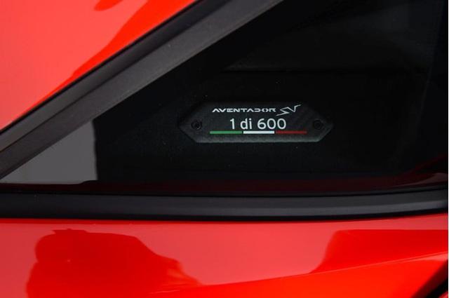 Vẻ đẹp siêu xe hàng hiếm Lamborghini Aventador SV đỏ rực rao bán 12,7 tỷ Đồng - Ảnh 7.