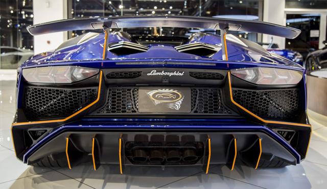 Vẻ đẹp lộng lẫy của Lamborghini Aventador SV mui trần rao bán 13 tỷ Đồng - Ảnh 9.