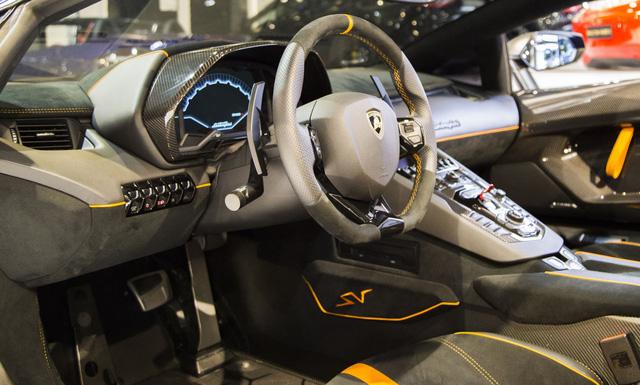 Vẻ đẹp lộng lẫy của Lamborghini Aventador SV mui trần rao bán 13 tỷ Đồng - Ảnh 10.