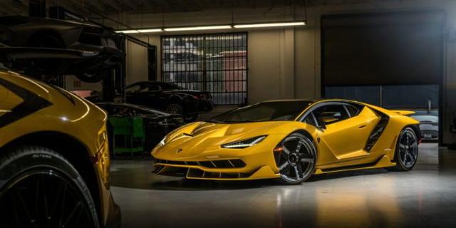 Cận cảnh siêu phẩm Lamborghini Centenario màu vàng rực tại Mỹ - Ảnh 9.