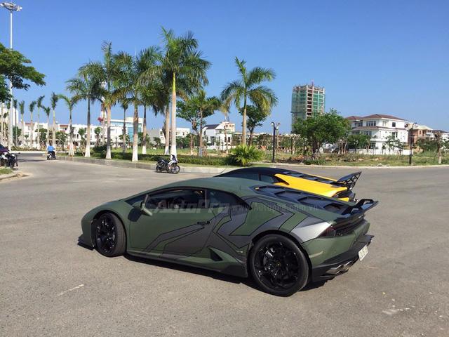 Cặp đôi Lamborghini Huracan độ khủng, biển VIP, đọ dáng cùng nhau tại Đà Nẵng - Ảnh 2.