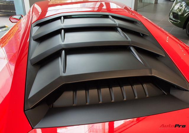 Diện kiến siêu xe Lamborghini Huracan LP610-4 màu độc nhất vừa về Việt Nam - Ảnh 24.