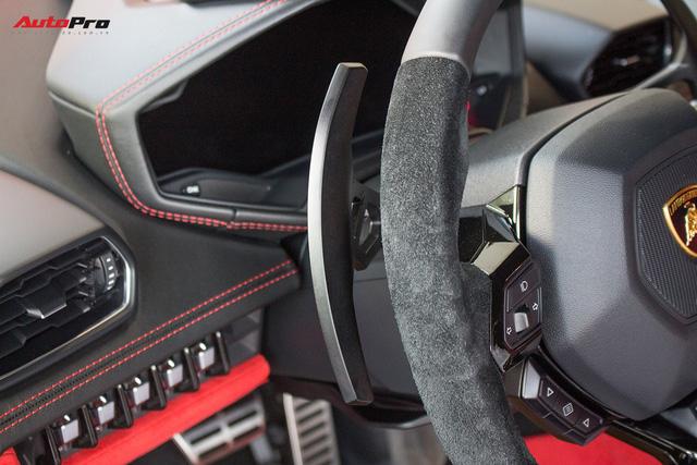 Diện kiến siêu xe Lamborghini Huracan LP610-4 màu độc nhất vừa về Việt Nam - Ảnh 16.
