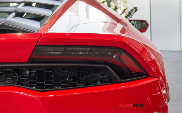 Diện kiến siêu xe Lamborghini Huracan LP610-4 màu độc nhất vừa về Việt Nam - Ảnh 10.