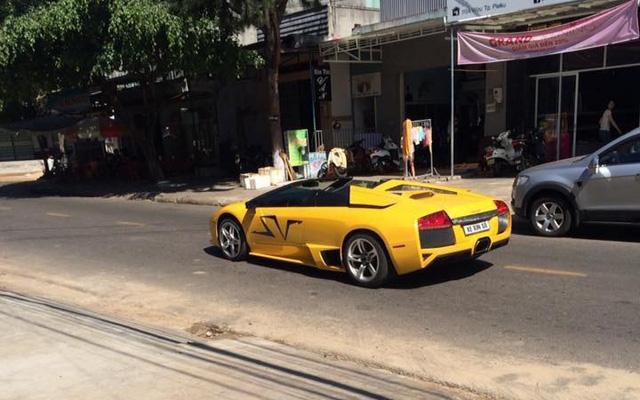 Lamborghini Murcielago LP640 mui trần độc nhất Việt Nam dạo phố Pleiku - Ảnh 2.