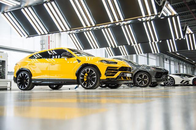 Kỳ công chọn cấu hình cho chiếc Lamborghini Urus đầu tiên về Việt Nam - Ảnh 1.