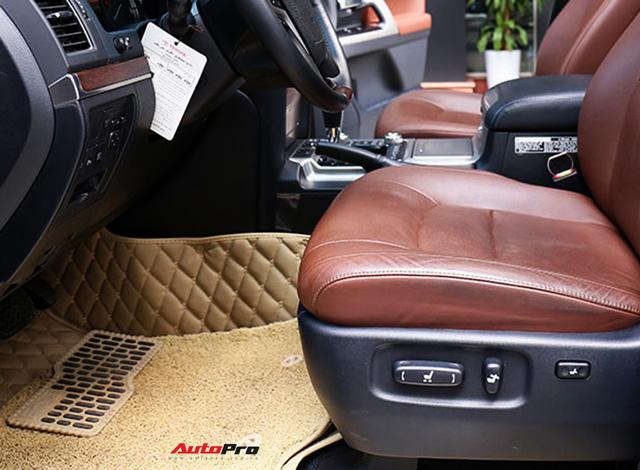 SUV hầm hố Toyota Land Cruiser VXR đi 10.000 km rao bán giá 4,8 tỷ đồng - Ảnh 14.
