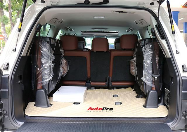 SUV hầm hố Toyota Land Cruiser VXR đi 10.000 km rao bán giá 4,8 tỷ đồng - Ảnh 16.