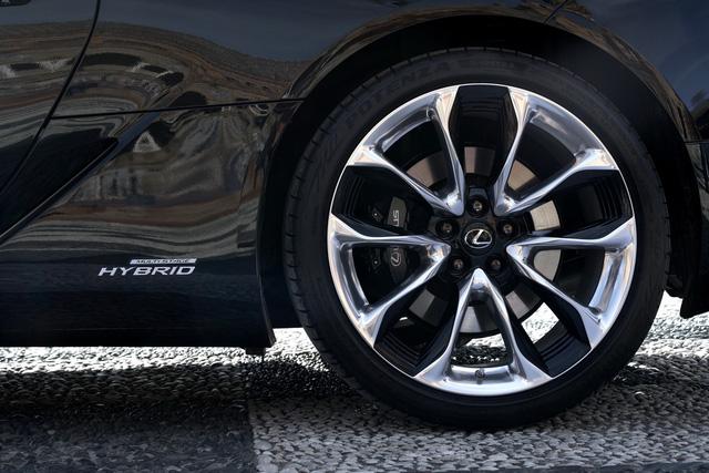 Xe sang Lexus LC Coupe 2018 được chốt giá từ 2,1 tỷ Đồng - Ảnh 9.