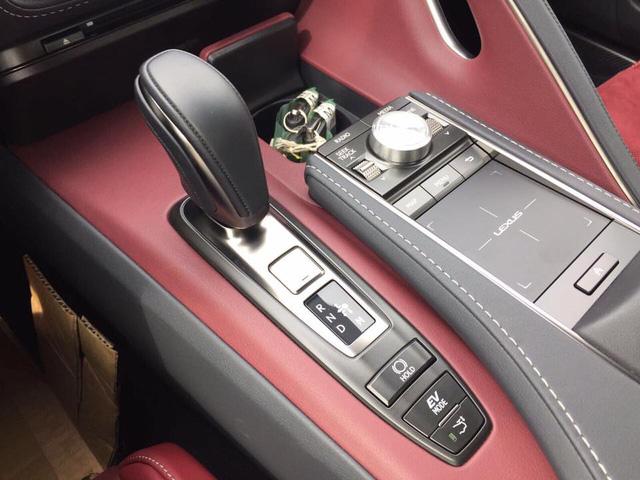 Lexus LC 500h 2018 đầu tiên cập bến Lào, đại gia Việt phát hờn - Ảnh 8.