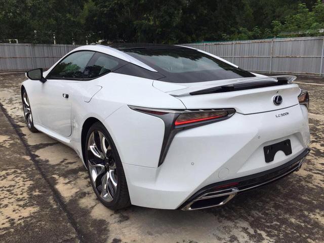 Lexus LC 500h 2018 đầu tiên cập bến Lào, đại gia Việt phát hờn - Ảnh 3.