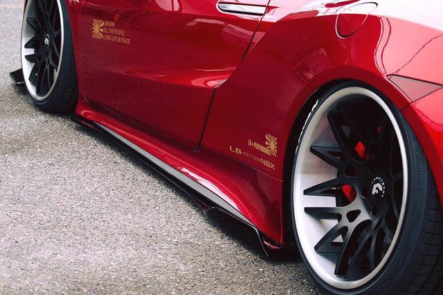 Honda NSX 2017 được biến thành siêu xe nằm sát mặt đất nhờ gói độ Liberty Walk - Ảnh 9.