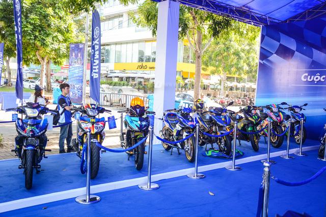 Dàn Yamaha Exciter độ tụ họp trong sự kiện giao lưu với Valentino Rossi tại Việt Nam - Ảnh 1.