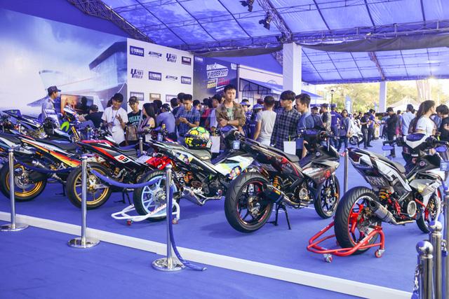 Dàn Yamaha Exciter độ tụ họp trong sự kiện giao lưu với Valentino Rossi tại Việt Nam - Ảnh 2.