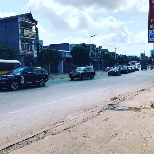 Hàng chục chiếc Lexus LX570 và Range Rover tham gia rước dâu hot girl Quảng Ninh - Ảnh 4.
