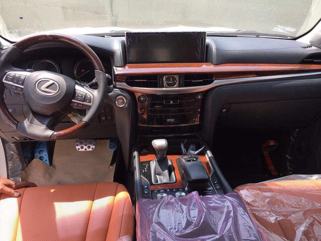 Lexus LX570 Super Sport có giá khoảng 10 tỷ đồng khi về Việt Nam - Ảnh 5.