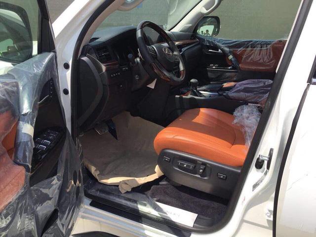 Lexus LX570 Super Sport có giá khoảng 10 tỷ đồng khi về Việt Nam - Ảnh 6.
