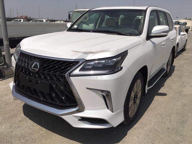 Lexus LX570 Super Sport có giá khoảng 10 tỷ đồng khi về Việt Nam - Ảnh 1.