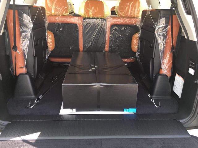 Lexus LX570 Super Sport có giá khoảng 10 tỷ đồng khi về Việt Nam - Ảnh 8.