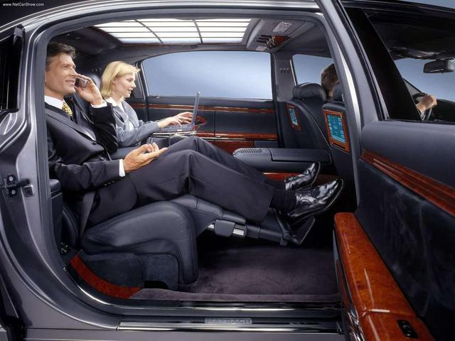 Xe siêu sang Maybach 62 trong lô xe nhập lậu năm 2013 tái xuất tại Hà Nội - Ảnh 9.